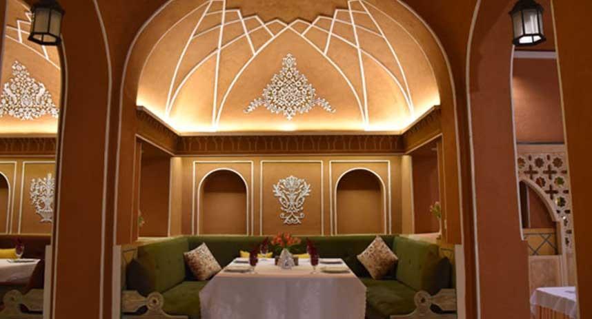 دکوراسیون خاص رستوران معین درباری مشهد