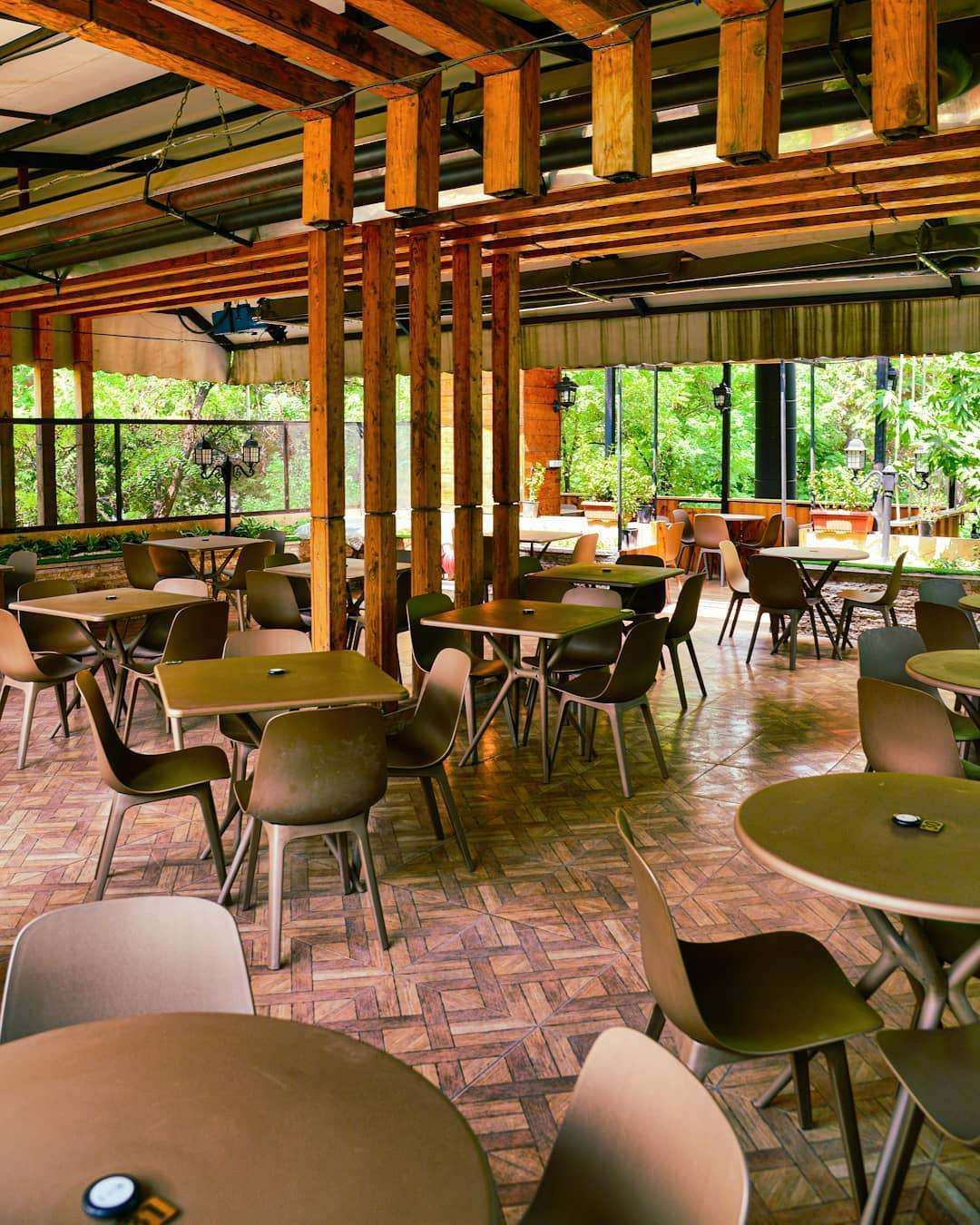 کافه رستوران دوسولی مشهد خیابان باهنر