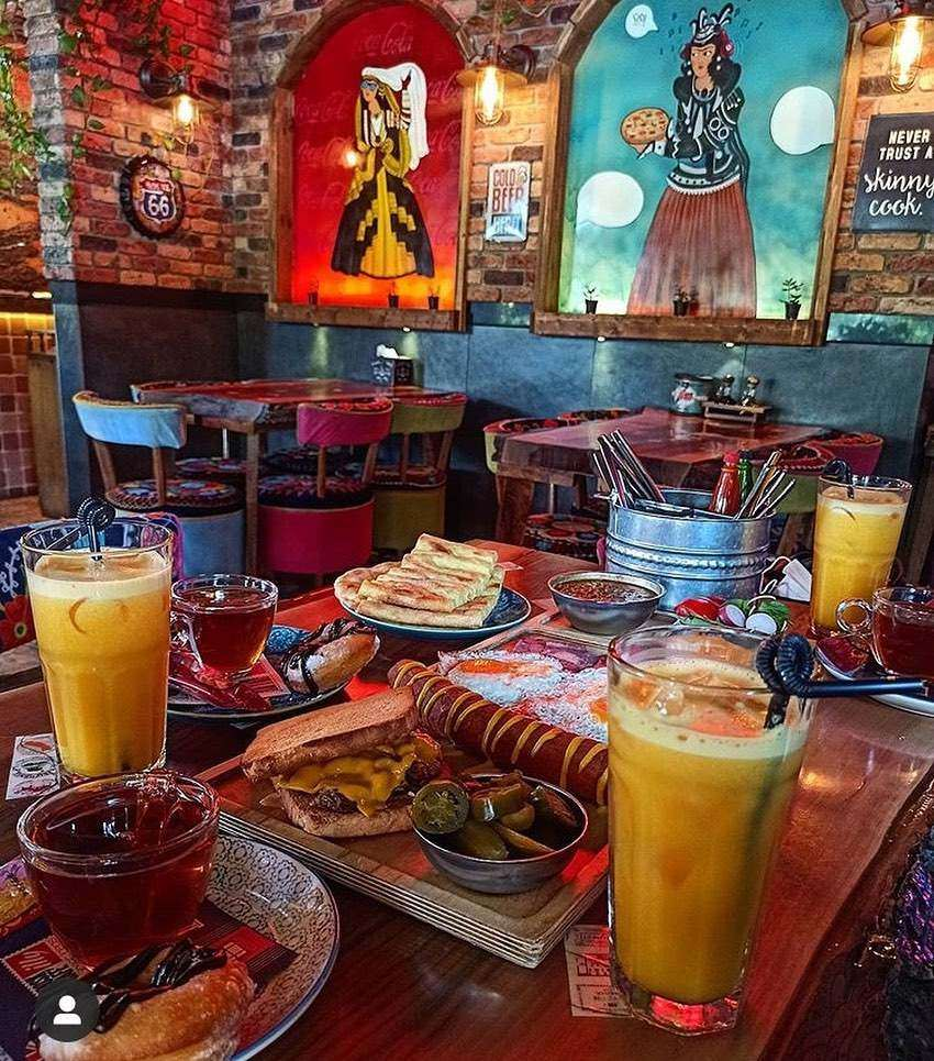 کافه کیوسک خیابان حامد مشهد