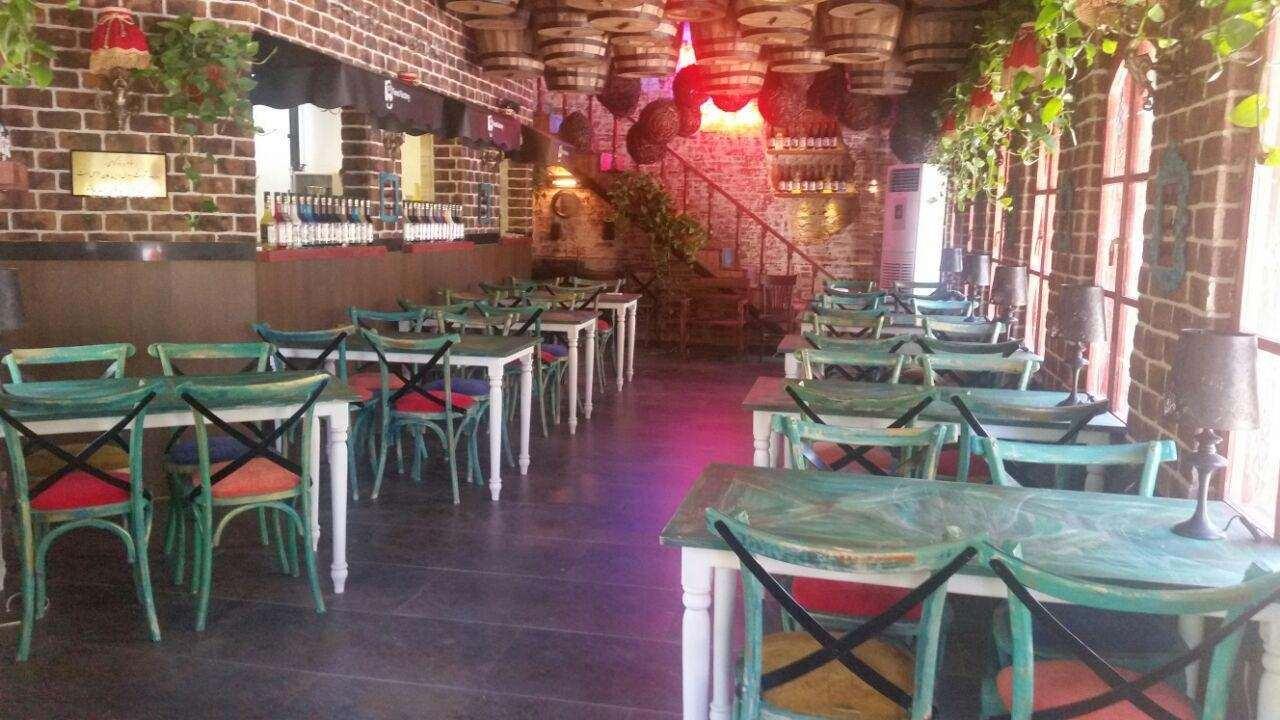 سالن پذیرایی رستوران روژ